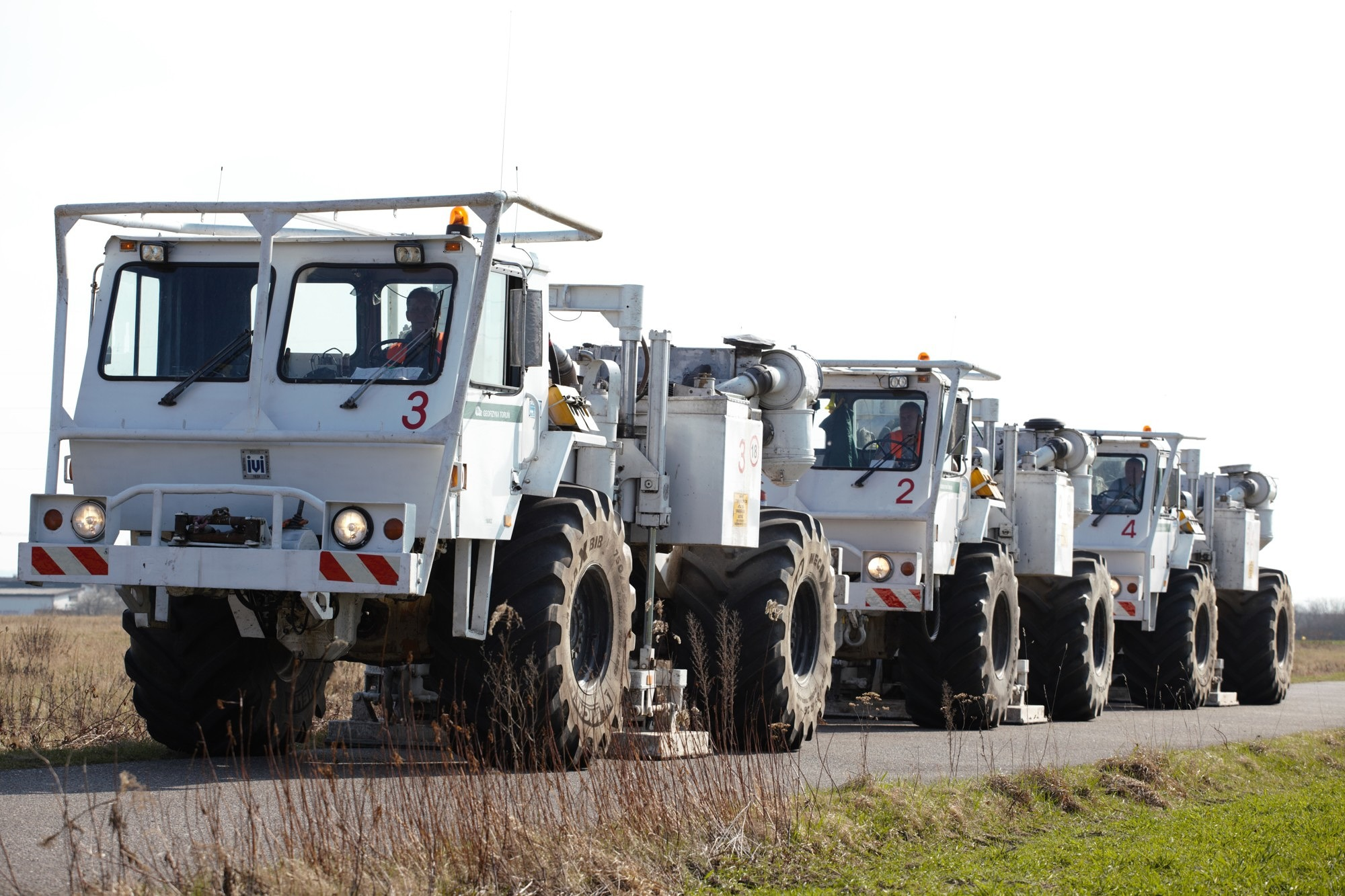 Measuring vehicles for seismic surveys. (Photo: Wolfgang Bauer)