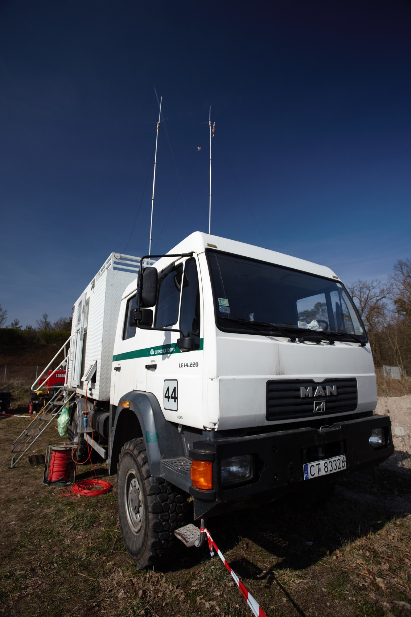 Recording truck for seismic measurements (Photo: Wolfgang Bauer)